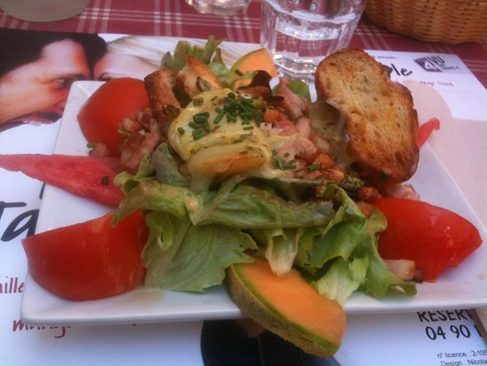 L'ardoise : Salade de chèvre chaud du menu a 18 €