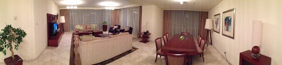 JA Oasis Beach Tower : Living / Dining Area of 4 Bedroom Deluxe Apartment