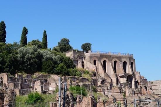 Colosseum: Forum Rumanum