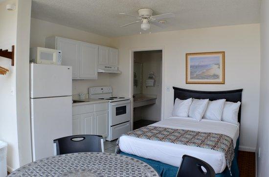 Bikini Beach Resort Motel: rooms