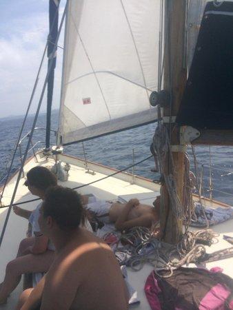 Residenze Le Vele: Gita da sballo in barca a vela!