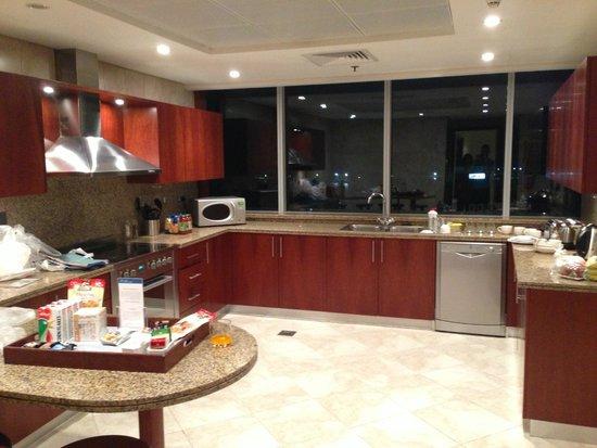 JA Oasis Beach Tower: Kitchen of 4 bedroom apartment