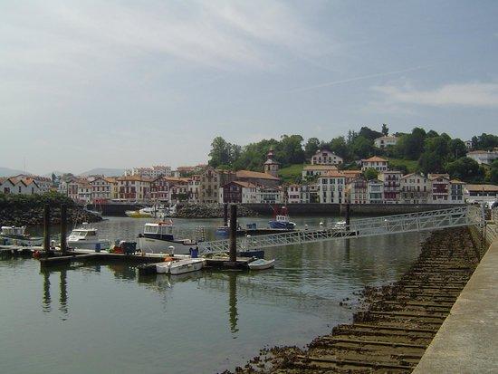 l'Ephemere: Le port de Saint-Jean de Luz