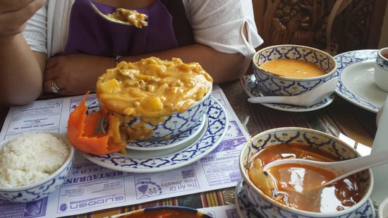 Bangkok Restaurant: Massaman curry?!
