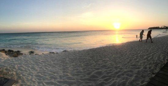 Tamarijn Aruba All Inclusive: sunset