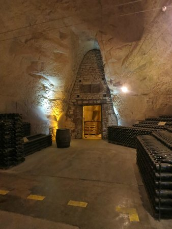 Holiday Inn Reims Centre: Les Caves of champagne