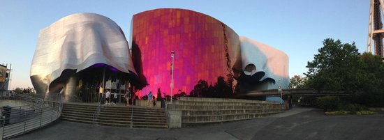Museum of Pop Culture : Exterior of the EMP Museum