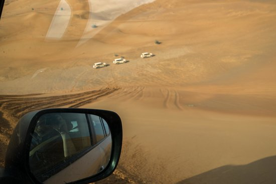 Al Maha, A Luxury Collection Desert Resort & Spa: Dune bashing