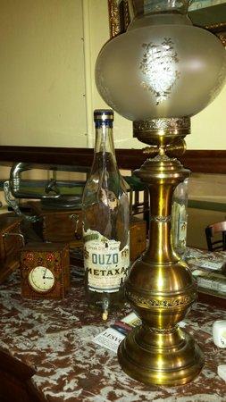 Ouzeri Lesvos: Nice old stuff!!