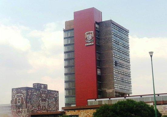 Ciudad Universitaria: Prédio da Universidade