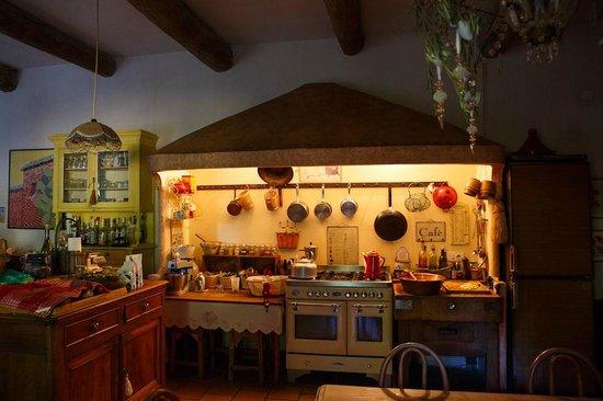 Le Moulin du Rossignol : Wunderschöne Küche