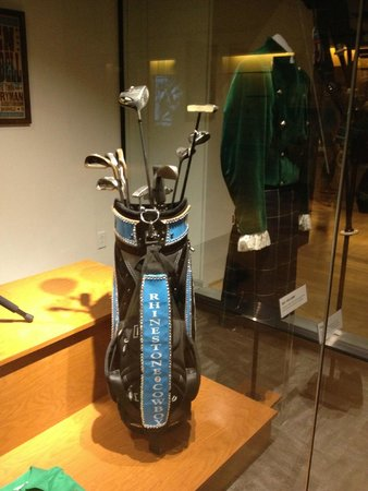 Country Music Hall of Fame and Museum : Enclosed box with golf clubs