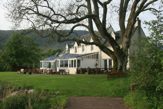 The Lake of Menteith Hotel: Hotel & lawns