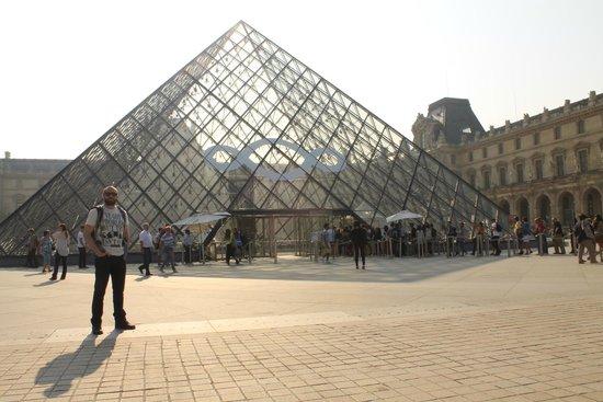 Louvre Museum: Museu do Louvre - Externo