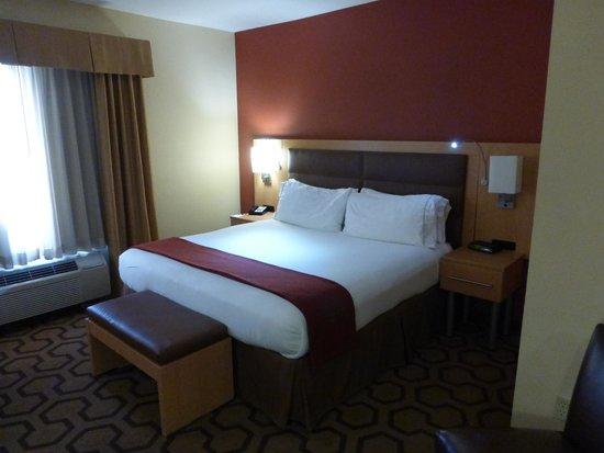 Holiday Inn Express & Suites Fremont Milpitas Central: Super Comfy Bed
