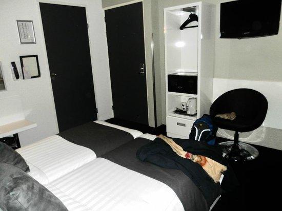 Hotel CC: Quarto