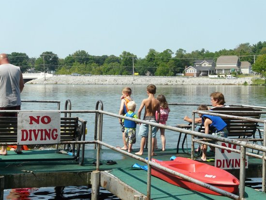 Victorian Bay Resort: On the dock, getting ready to swim
