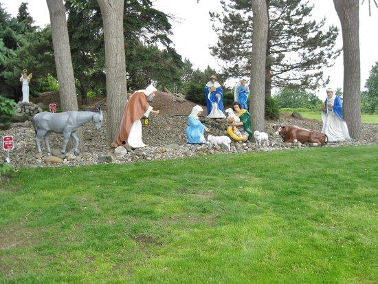 Bronner's Christmas Wonderland: Nativity scene