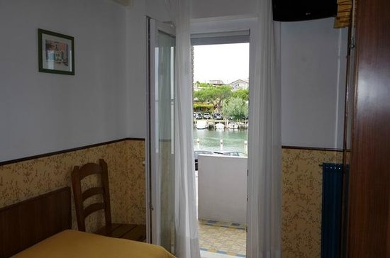 Hotel Carol: view to the lagoon