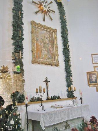 Bronner's Christmas Wonderland: altar
