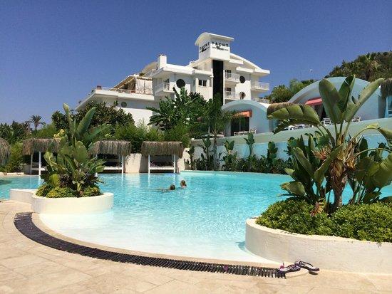 Yacht Classic Hotel: Hotel/Pool
