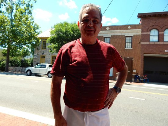 La Nicoise Cafe : Chef/owner Frederic