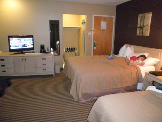 Quality Hotel Fallsview Cascade : The other side of Room 402