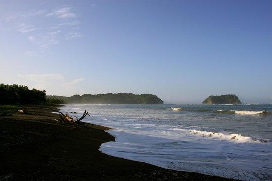 Casitas LazDivaz: The Beautiful Beach