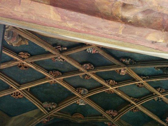 The Golden Roof (Goldenes Dachl): Le plafond du balcon. Chaque intersection représente une alliance