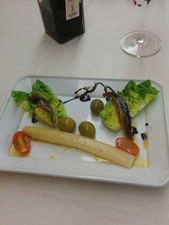 El Rincon de Emilio : White asparagus salad