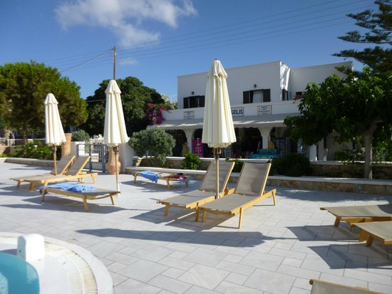 Aegean Plaza Hotel: Gate from pool area to shop