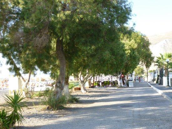 Aegean Plaza Hotel: Main street Kamari