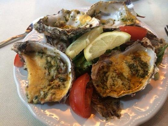 Vrouwenpolder, Países Bajos: oysters with cheese and garlic