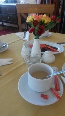 Konstantinoupolis Hotel: colazione??