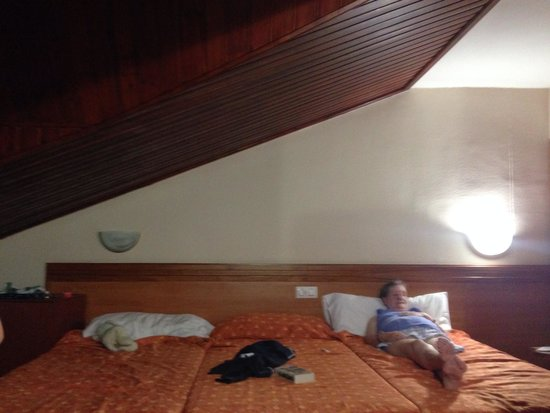 Santa Susanna Resort: The nice sloping roof