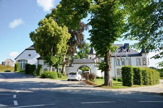 Château d'Urspelt : De oprit.