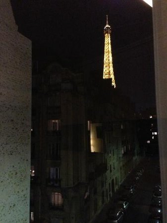 Le Derby Alma: View from our window at night