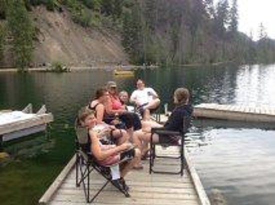 Blue Lake Resort: private dock campsite #109 on the lake