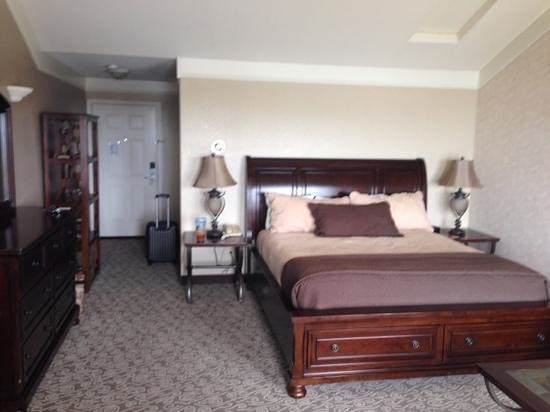 North Cliff Hotel : nice king bed