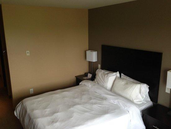 Impéria Hôtel & Suites : Bedroom