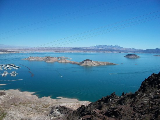 Grand Canyon Tour Company - South Rim Bus Tour : View of Lake Mead from Dam