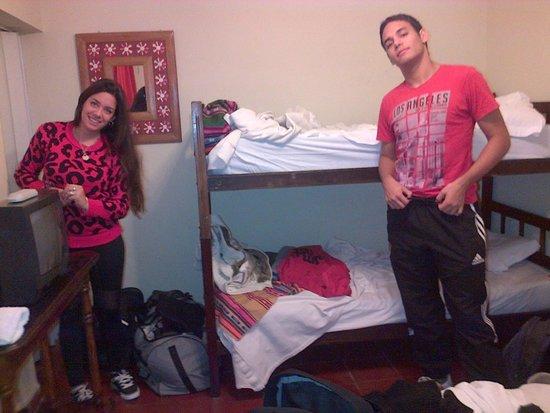 Hostal Pueblo Andino : Habitación poco espaciosa para 3 personas