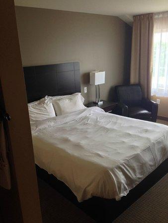 Imperia Hotel & Suites: Bedroom