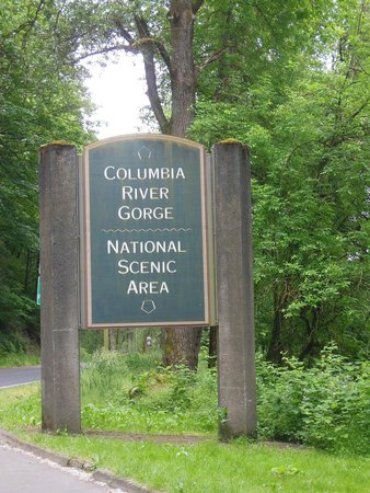Columbia River Gorge National Scenic Area: Sign