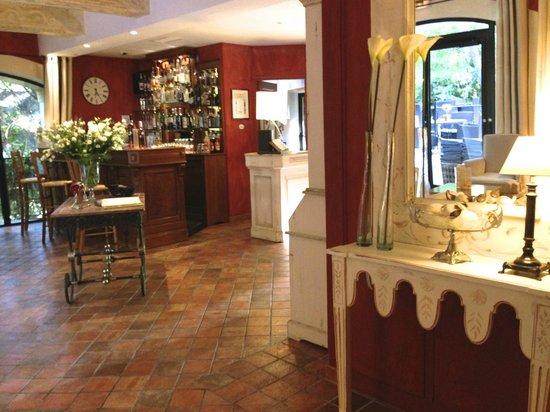 Hotel du Poete: Reception