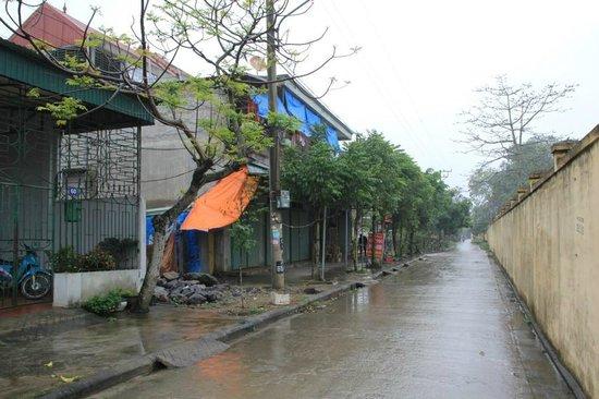 Guest House Kim Lien : Straßenansicht