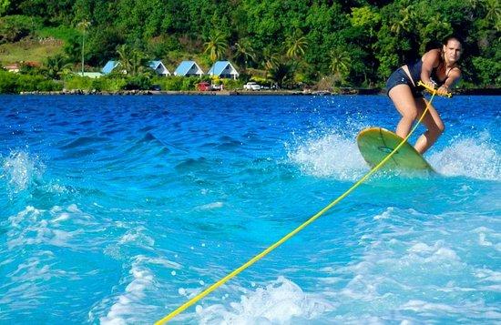 """Moorea Surf Bed and Breakfast: Pas de vague aujourd'hui, surf """"Domani"""" ;-)"""