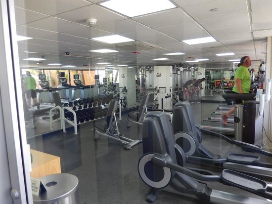 Courtyard Isla Verde Beach Resort: Fitness center
