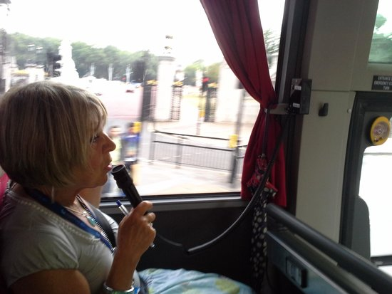 Golden Tours : On the coach