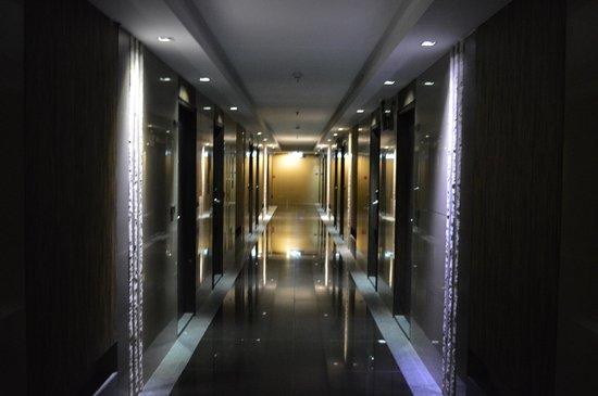 Bangkok City Hotel: corridor